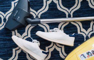 Jak dbać o dywan z wełny?